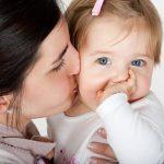 صور اجمل قبلة , شاهد اروع امومة واحضان دافئة