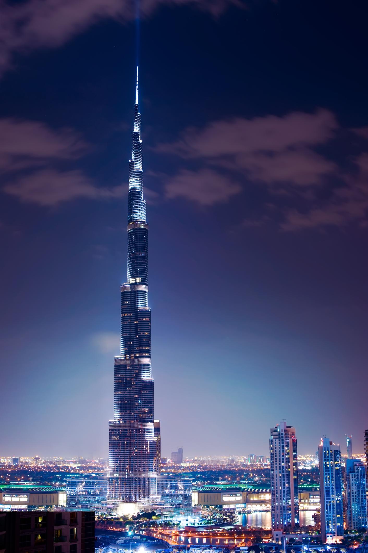 صور اكبر برج في العالم ، برج خليفة روعة في التصميم - لقطات