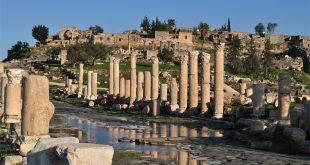 صوره ام قيس الاردن ,  جدارا مدينة اثارية قديمه