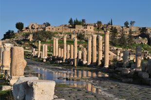 بالصور ام قيس الاردن ,  جدارا مدينة اثارية قديمه 3620 10 310x205