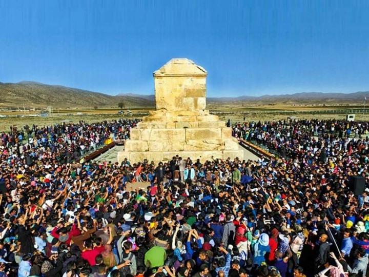 بالصور كعبة في ايران , صور للخلاف الديني بين الشيعة والسعودية 3829 5