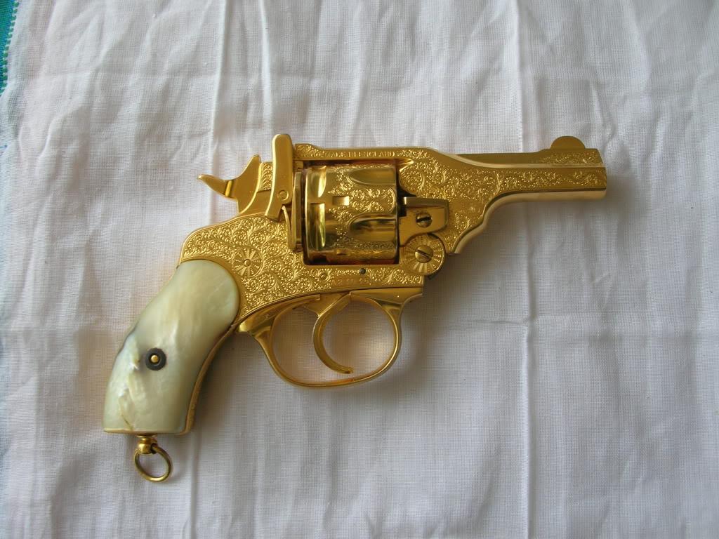 صور مسدس من ذهب ,  احدث ما صنع من الذهب