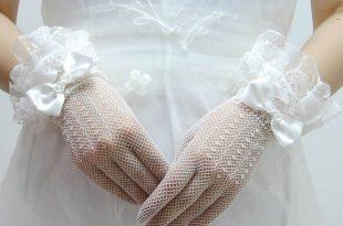 صوره احدث قفازات العرايس , انعم واجمل مايوضع على كف العروسة