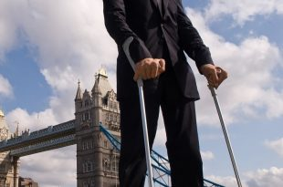 صور اطول رجل بالعالم , هل شاهدت اطول رجل فى العالم من قبل