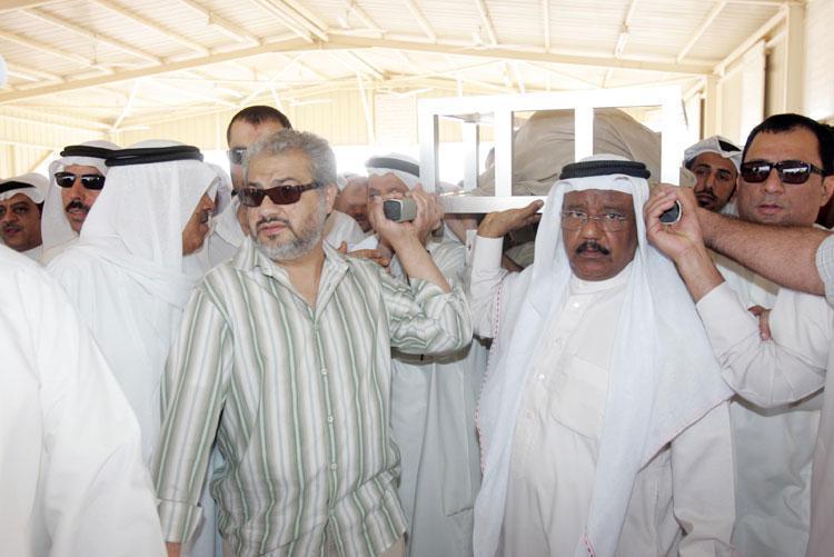 صورة جنازة خالد النفيسي , صور مراسم توديع الفنان الكبير ابو صالح