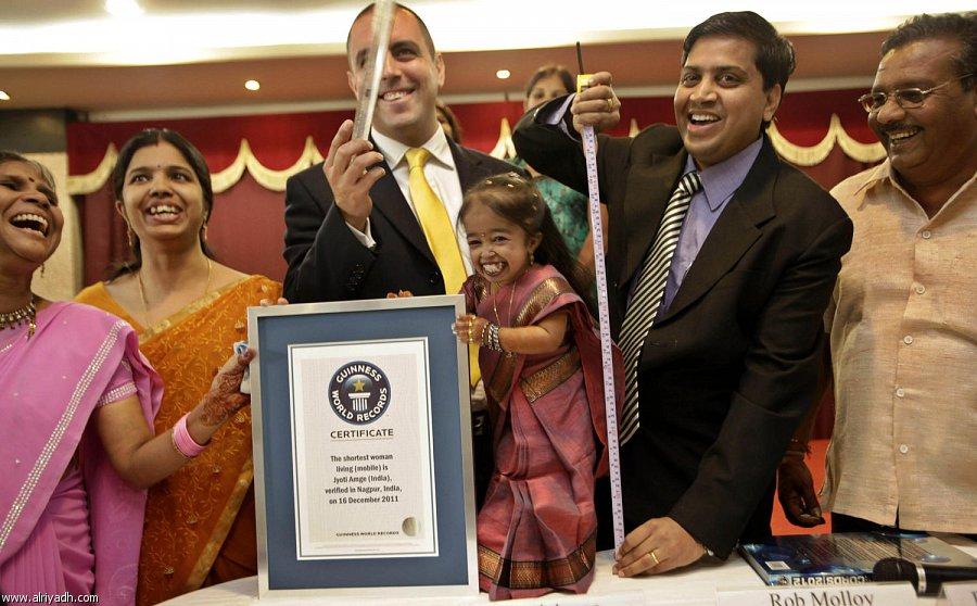 صورة صور اقصر امراه في العالم , صور فوز جويتي امغي الهندية