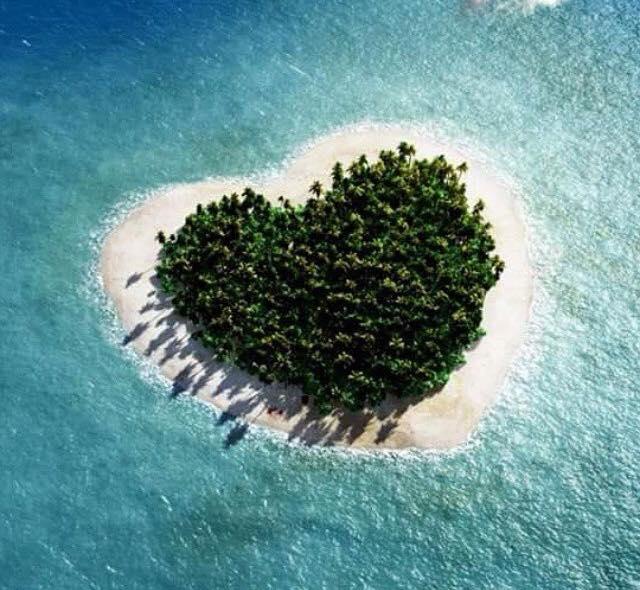 بالصور عندما تتحدث الصور , جزر طبيعية علي شكل قلب 4569 1