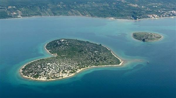 بالصور عندما تتحدث الصور , جزر طبيعية علي شكل قلب 4569 4