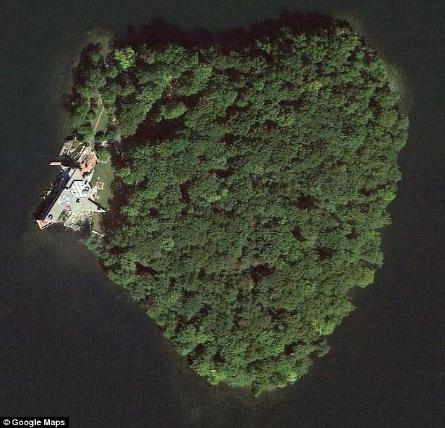 بالصور عندما تتحدث الصور , جزر طبيعية علي شكل قلب 4569 6