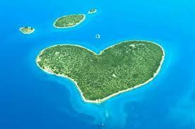 بالصور عندما تتحدث الصور , جزر طبيعية علي شكل قلب 4569 8