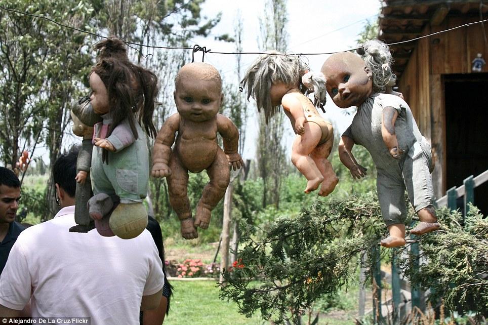 بالصور جزيرة الدمى المسكونة , صور مرعبة وقصة غريبة 4597 2