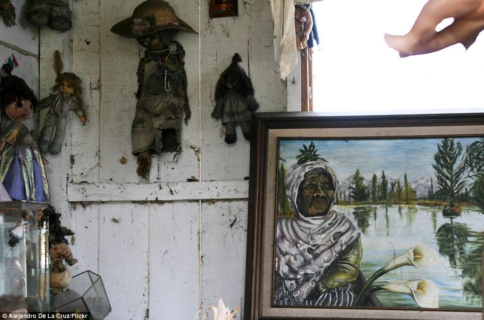 بالصور جزيرة الدمى المسكونة , صور مرعبة وقصة غريبة 4597 4