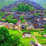 قرية صينية مثل لوحة زيتية , اماكن سياحيه فوق الخيال