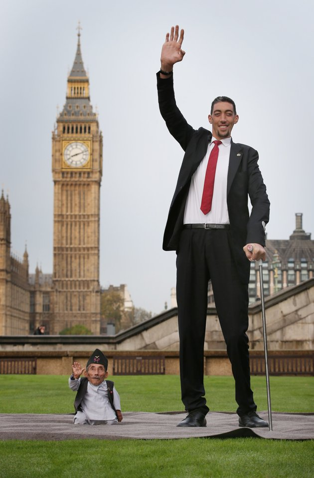 بالصور اطول رجل في العالم , اطول رجل في العالم يتزوج من سورية ويصفها بانها حب حياته 4706 9
