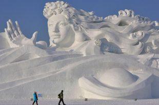 صوره فن النحت على الجليد , الابداع فى فن النحت على الجليد