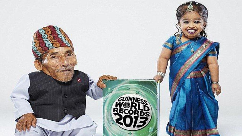 صورة صور اقصر رجل بالعالم , وفاه اقصر رجل بالعالم
