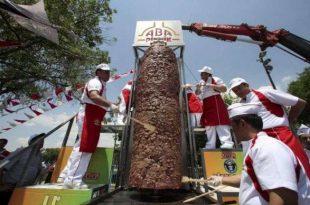 صور اكبر شاورما في العالم , لمحبى الشاورما اكبر سيخ شاورما فى العالم