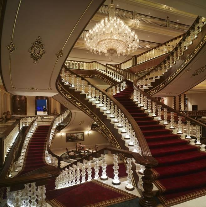 صوره صور لبيت الوليد بن طلال , بالصور القصر الطائر الذهبى للامير السعودى الوليد بن طلال