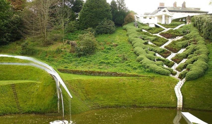 صورة حديقة التكهنات الكونية في اسكتلندا , افضل صور لحدائق غريبه حول العالم