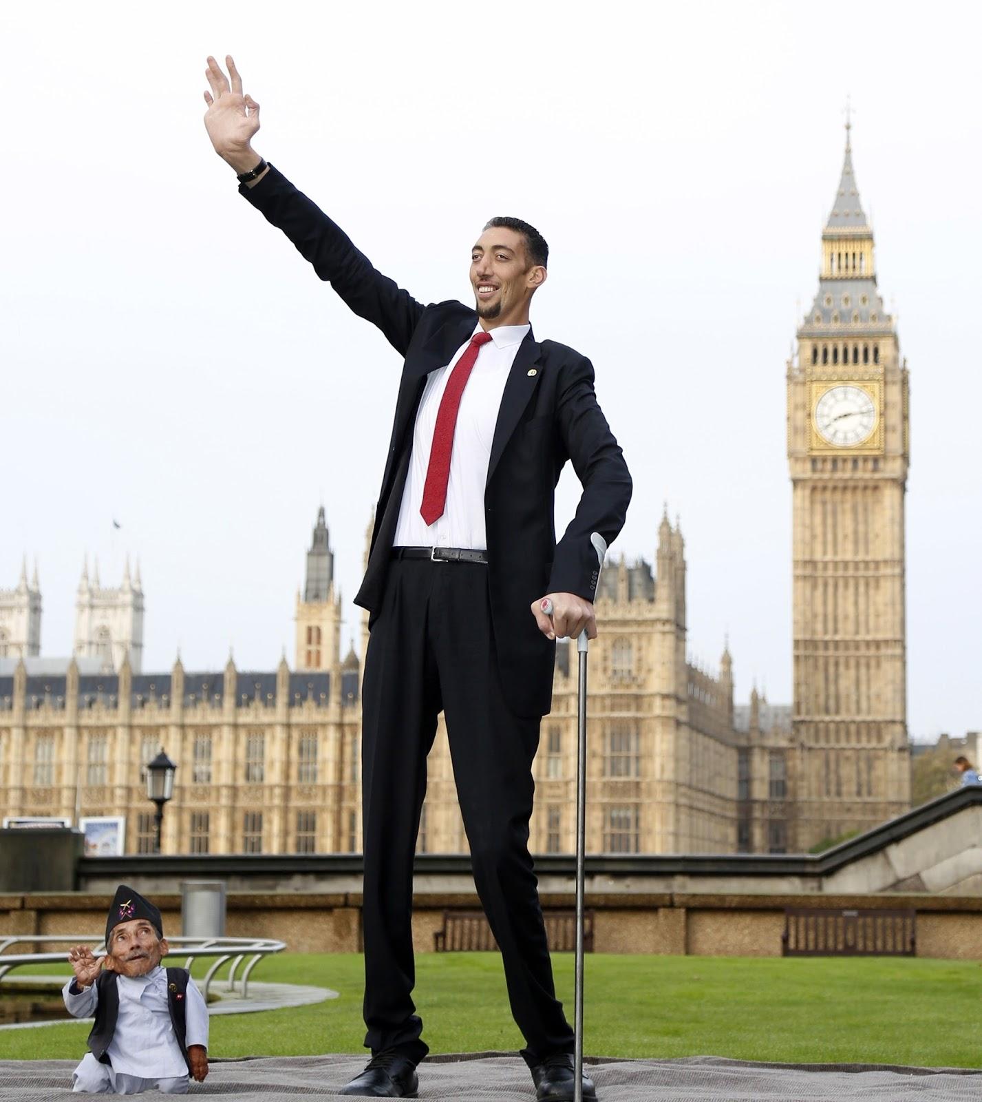 اطول رجل فى العالم , صور رجل طويل جدا - لقطات