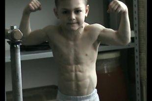 صوره اصغر لاعب كمال اجسام في العالم , صور اقوى جسم طفل