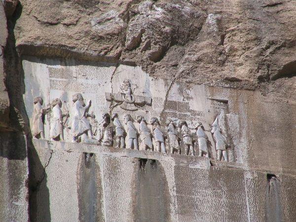 صور مدينه الجن تحت الارض تم اكتشافاها في تركيا , تسمي مدينة البئر العميق