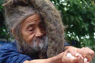 صوره رجل هندي لم يغسل شعره منذ ولادته , غرائب وعجائب الشعوب