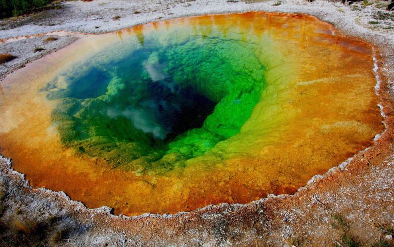 بالصور اغرب بحيرة في العالم , صور لبحيرات غريبة حول العالم 4088 2