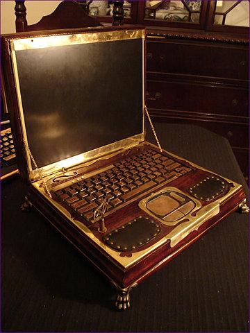 صورة صور لاب توب ملكة بريطانيا , شاهد شكل جهاز الحاسوب الخاص بملكة بريطانيا 641 4