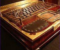 صوره صور لاب توب ملكة بريطانيا , شاهد شكل جهاز الحاسوب الخاص بملكة بريطانيا