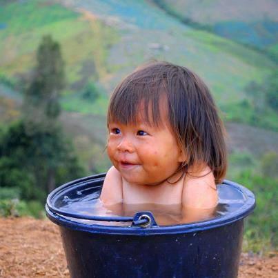 بالصور صور اطفال مضحكة جدا جدا , شاهد اروع مواقف مضحكة للاطفال 739 3