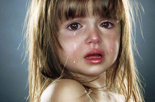صوره صورة طفلة تبكي , صور حزن والم