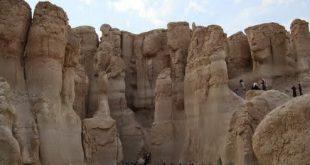 صوره جبل القارة بالاحساء , وسحر الكهوف الموجوده بداخله