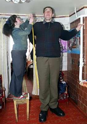 صور اطول رجل سعودي , مش هتصدق اللي هتشوفه