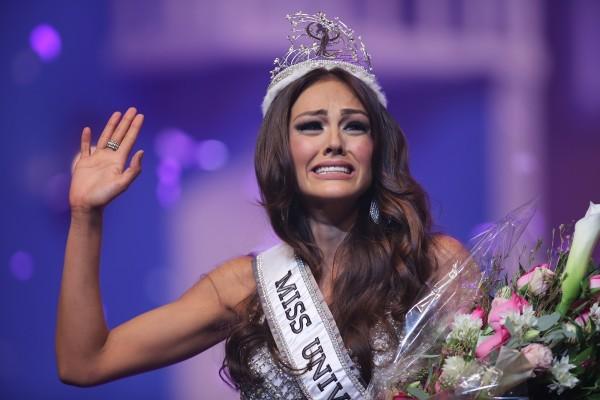 بالصور ملكة جمال الامارات , مابين الجمال والثقافة 11168 2