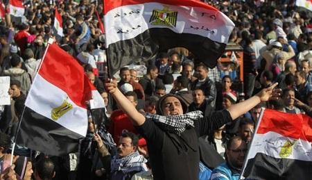بالصور صور ثورة 25 يناير , من اجل الكرامة والتغيير 11203 2