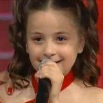 الطفلة التي ابكت العالم , صوت وجمال