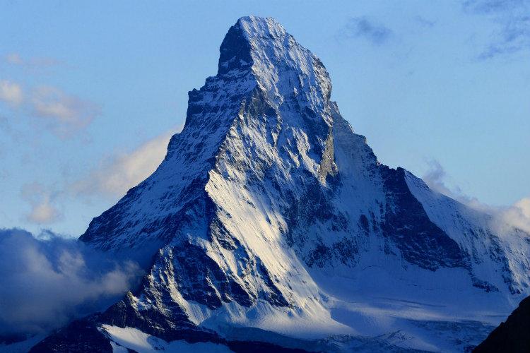 صورة جبال شاهقة تبهر العالم , هيا بنا نرى اجمل الجبال