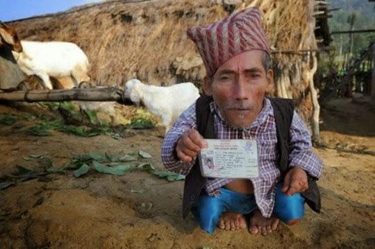 بالصور اصغر رجل في العالم , اغرب صور لاصغر رجل 11350 3