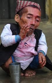 بالصور اصغر رجل في العالم , اغرب صور لاصغر رجل 11350 5