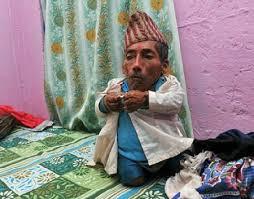 بالصور اصغر رجل في العالم , اغرب صور لاصغر رجل 11350 6