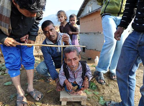 بالصور اصغر رجل في العالم , اغرب صور لاصغر رجل 11350 8