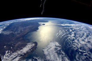 صورة صور الارض من الفضاء , احلى من صور القمر