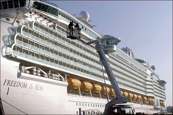 صوره اكبر سفينه في العالم , سفينة ضخمة وهمية