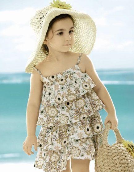 بالصور صور جديدة بنات , فتيات واطفال بفساتين راقية 14515 4