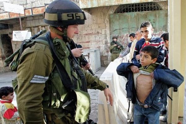 بالصور صور لاطفال فلسطين , صرخات الم وصمود 14516