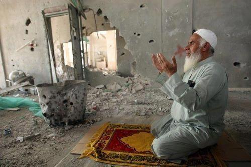 بالصور ان الصلاة كانت على المؤمنين كتابا موقوتا , صور المصلين بالمسجد 10663 3