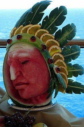 بالصور النحت على البطيخ , اشكال رائعة خرافية من فن النحت 10667 4