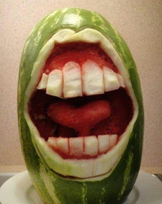 بالصور النحت على البطيخ , اشكال رائعة خرافية من فن النحت 10667 6