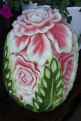 بالصور النحت على البطيخ , اشكال رائعة خرافية من فن النحت 10667 9
